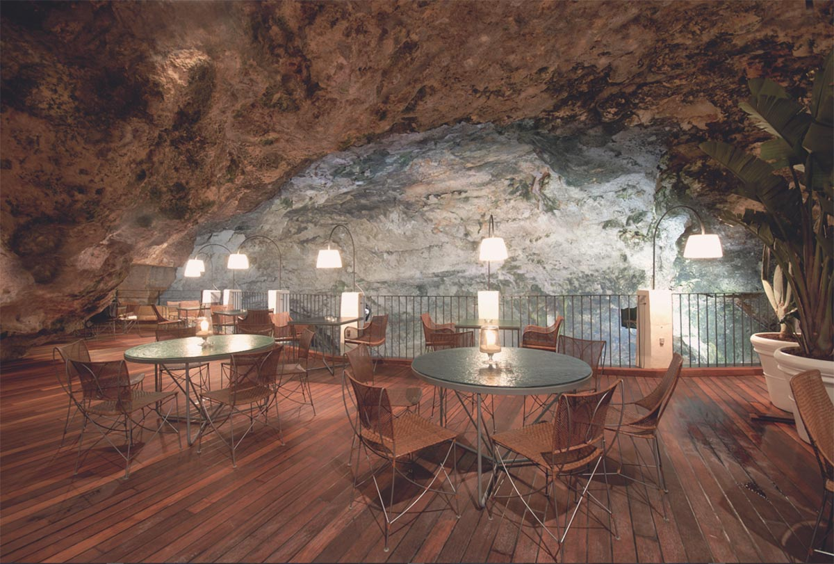 Incredible Restaurant Nestled In Sea Cave The Italian
