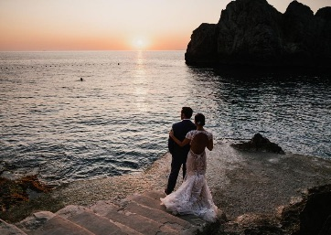 Wedding pics at the sunset in Capri
