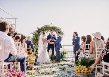 Symbolic Wedding overlooking the sea in Capri