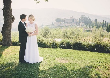 Weddings in Rustic Charm Under the Tuscan Sun
