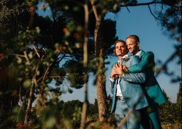Romantic Wedding moments in Umbria