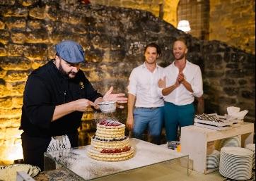 Wedding cake live preparation in Umbria