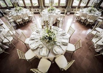 Elegant indoor Wedding dinner in Tuscany