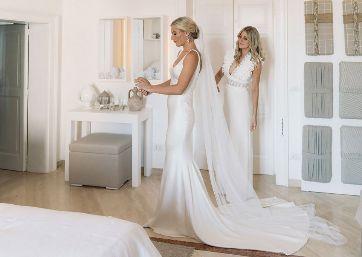 Bridal getting ready in Apulia