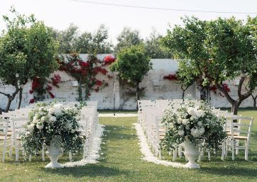 Elegant and romantic Wedding ceremony decor in Apulia