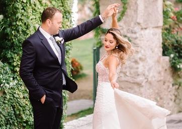 Wedding shooting through the streets of Ravello