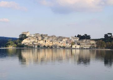 Get Married in Rome at Civil Wedding Hall on the Lake of Bracciano