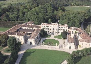 Get Married in Verona at Elegant XVIII century historical Villa