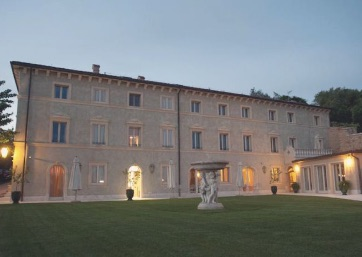 Get Married in Verona at Ancient Relais on the edge of the Colombare Park
