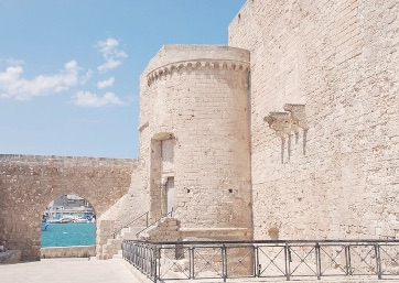 Get Married in Apulia at Castle on the Seafront