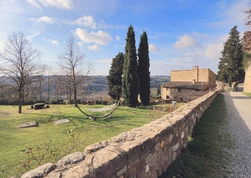 Get Married in Florence at Castle with a villa and appartments