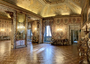 Get Married in Rome at Ancient Palace in the heart of Rome with impressive masterpieces and greatest works of art