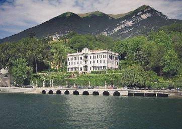 Get Married in Lake Como at 17th Century Villa between lake and mountains