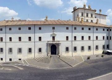 Get Married in Rome at Historical Frescoed Palace for civil weddings in Ariccia