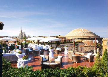Get Married in Rome at Roof Garden by the Pantheon