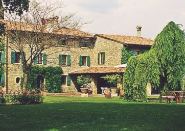 Get Married in Verona at Marvellous Villa outside of Verona